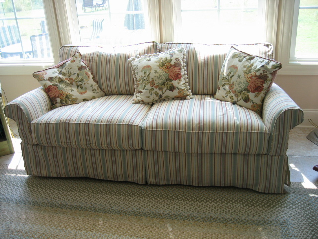 Striped Sofa A Crisp Cotton Stripe Gives Cottage Look