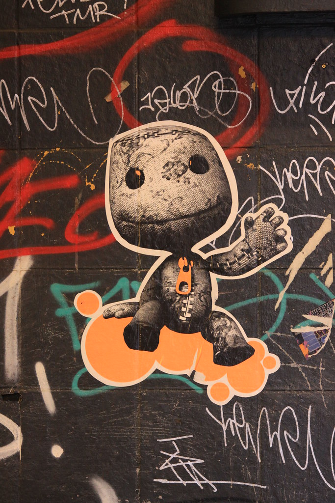 img 090117 7229 graffiti heinrich heine str uli herrmann flickr. Black Bedroom Furniture Sets. Home Design Ideas