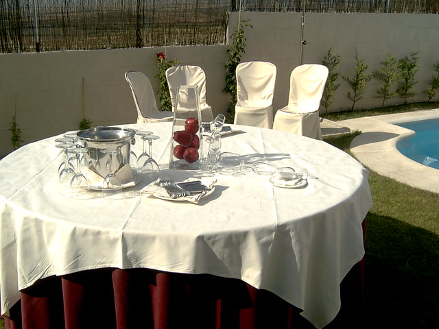 Mesa redonda mesa redonda para 10 personas con mantel y - Mesa redonda 4 personas ...