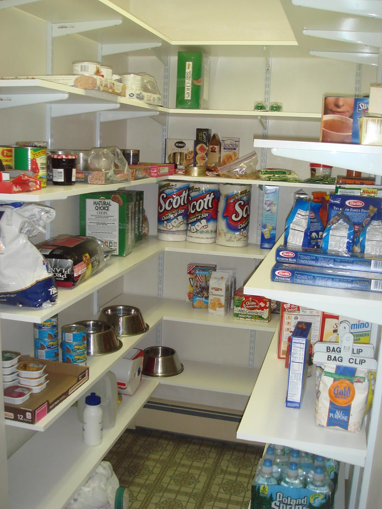 Pantry | extra-deep pantry accessed through kitchen ...
