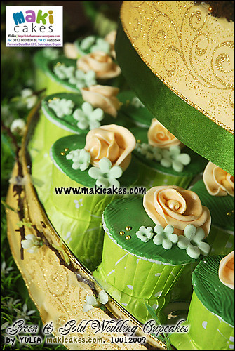 Green And Gold Wedding Cakes