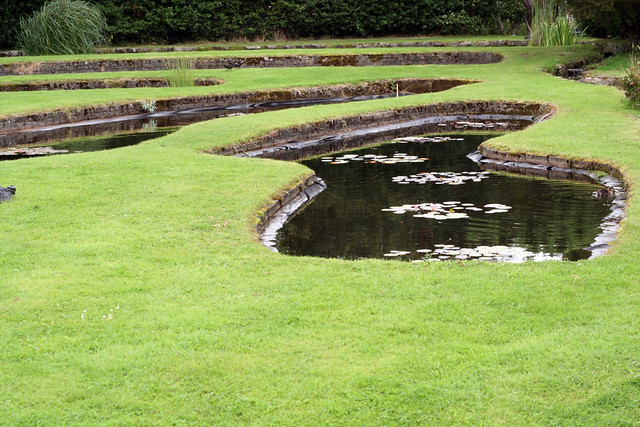 Garden Pond Edging Stones Images