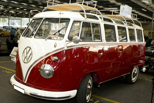 1963 Red Window Deluxe Volkswagen Kombi | Flickr - Photo Sharing!
