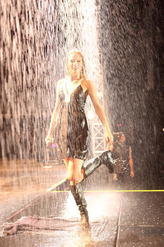 Taylor Swift In The Rain I Love Taylor She Is So