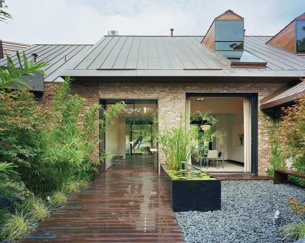 Austin Modern Lake House Entry Courtyard Peninsula