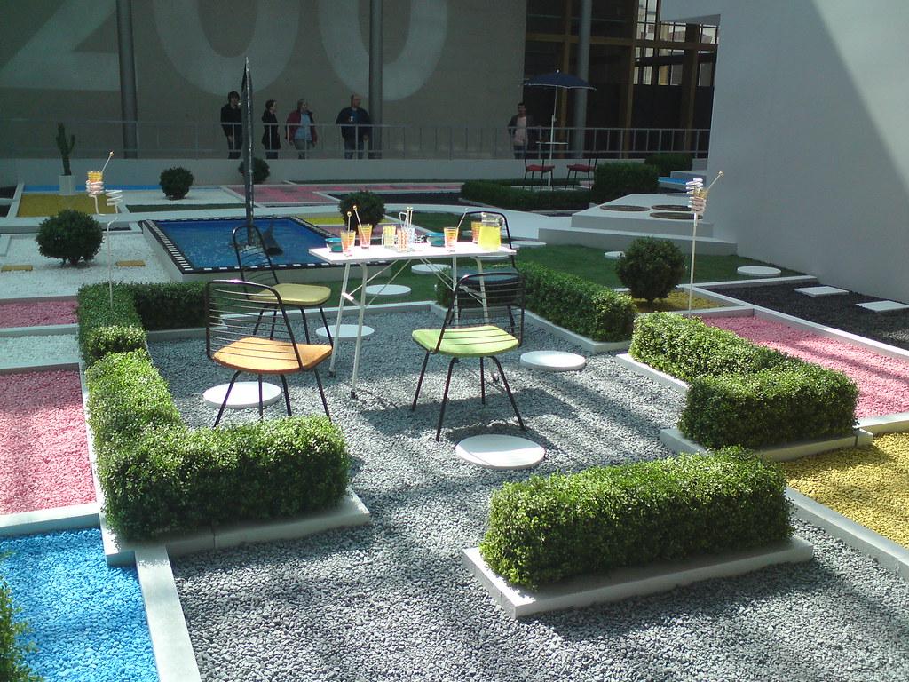 Villa arpel 104 en cho l exposition jacques tati for Au jardin de victorine nice