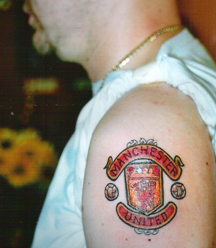 manchester united football club crest tattoo man united cr flickr. Black Bedroom Furniture Sets. Home Design Ideas