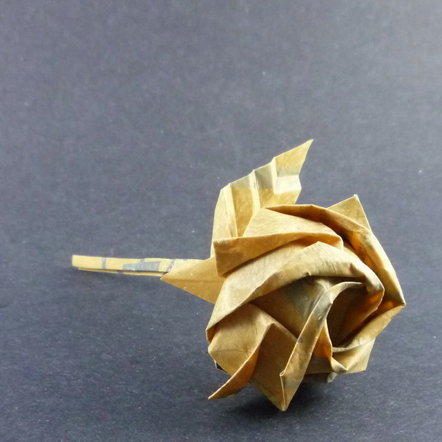 Origami Rose (Part 2 of 3) Leaf - YouTube | 500x500