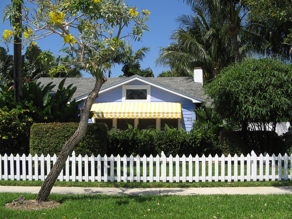 Blue House Yellow Awning White Fence Victoria Park Neig
