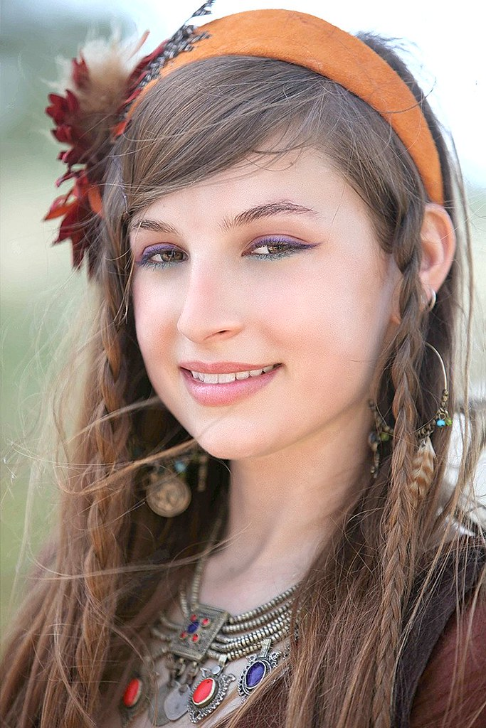 Beautiful Young Gypsy Dancer | Sherwood Forest Faire near ...