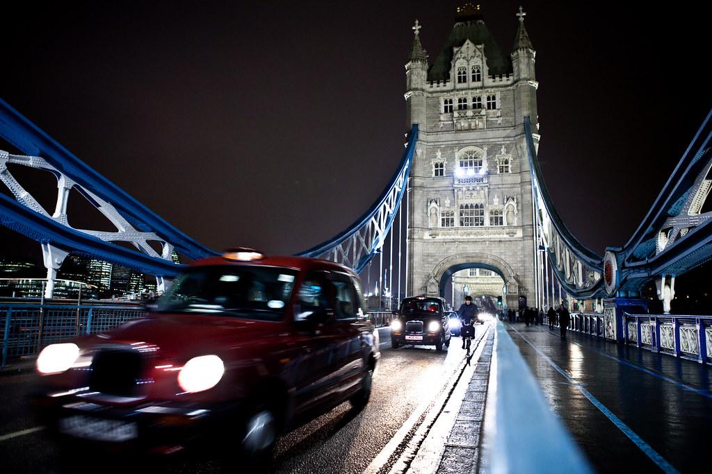 London Tower Bridge taxis | Lars Plougmann | Flickr