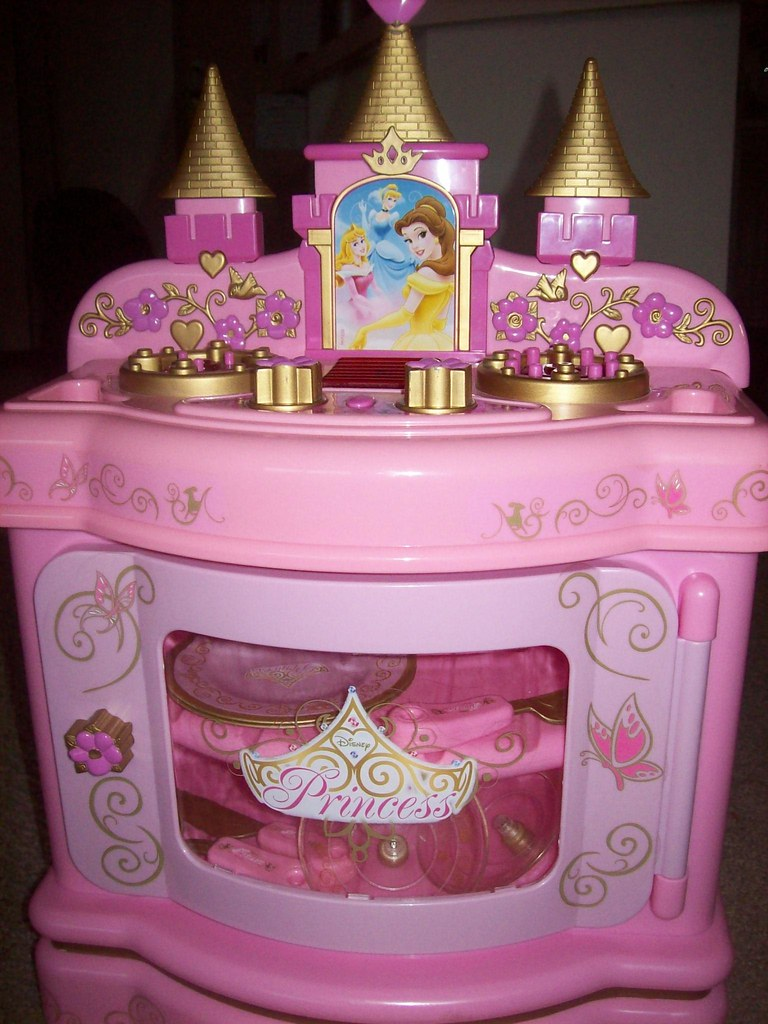 disney princess kitchen set - $15 | Ravijeet | Flickr