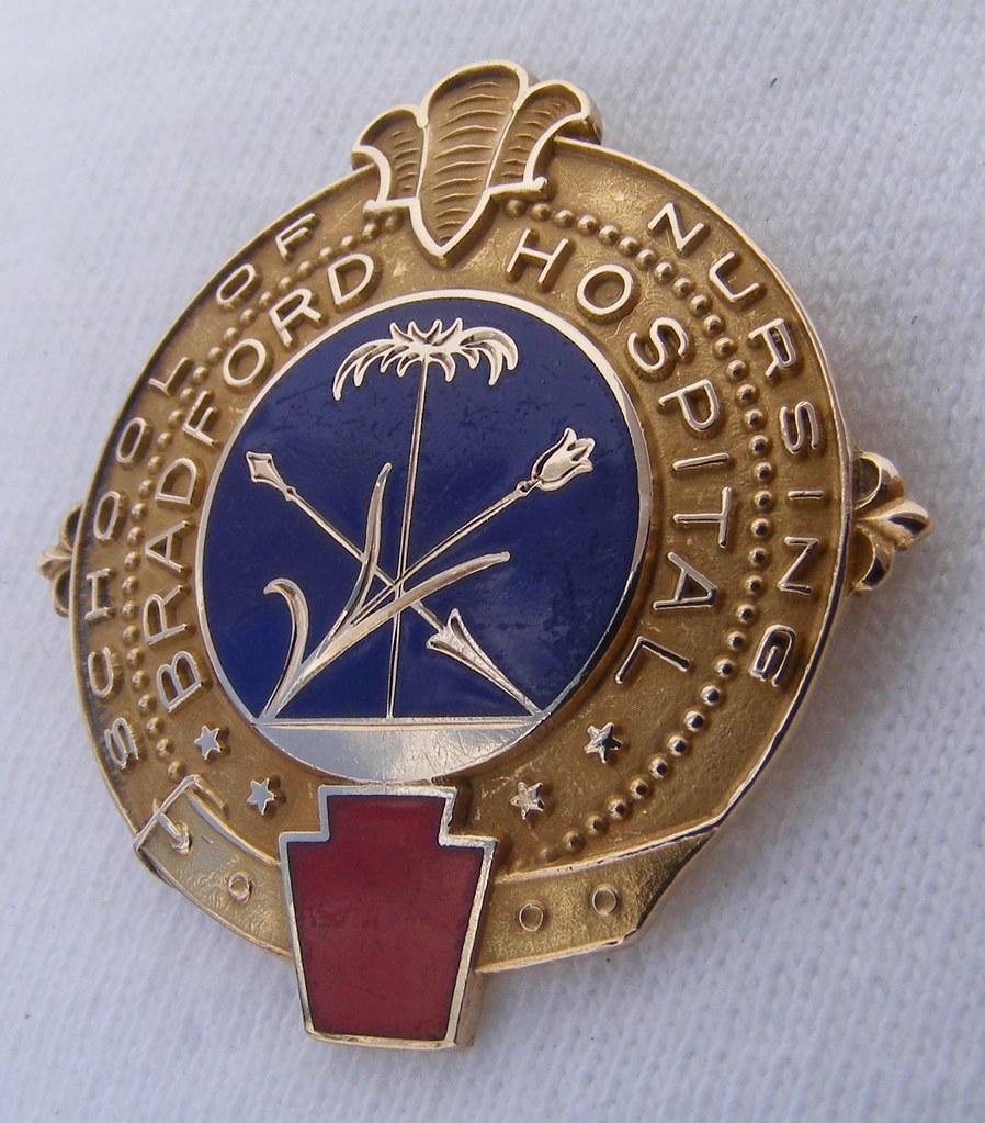 Jackson Memorial Hospital School of Nursing Graduation Pin ...  |Nursing Graduation Pins