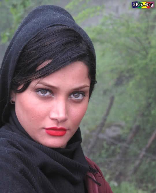 photos of beautiful irani women