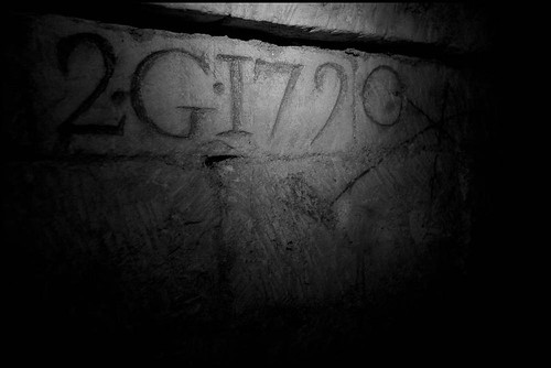 zoriah_catacombs_de_paris_cataphile_cataphiles_decent_descent_descendre_france_0016_20081219_3135 | by Zoriah