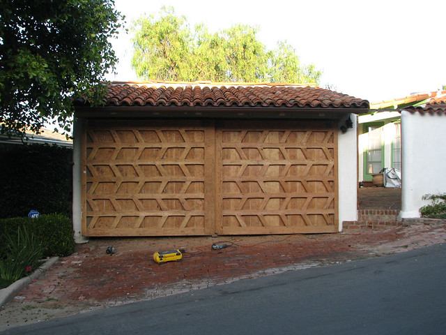 Hillside 7477 Ae Wood Paneled Garage Door Being