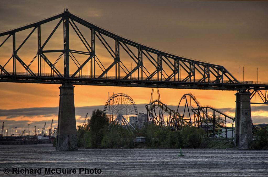 Pont Jacques Cartier and La Ronde, Montreal, Quebec, Canada ...