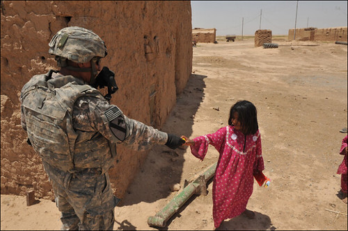 Us Soilders With Kids Pictures