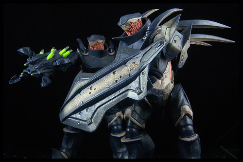 Halo 4: Forward Unto Dawn Statue Pictures | Raving Toy Maniac