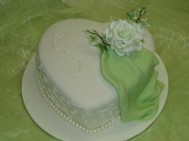 Hochzeitstorte Herz Klassisch Mit Weisser Rose Www Suess Un Flickr