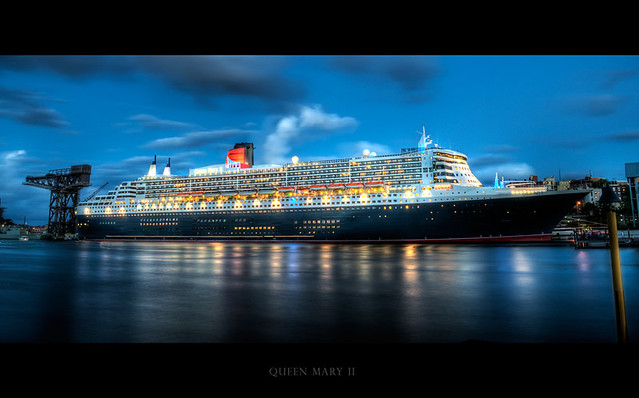 Queen Mary 2 At Night Sydney Dylan Kitchener Flickr