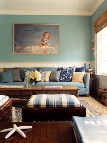 Blue brown hamptons style perfect blues natural acce for Brown and blue living room designs
