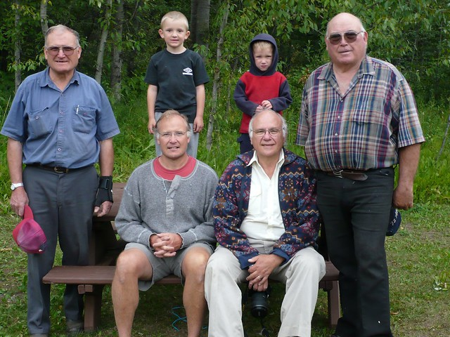 "mayfield men Waratah/ mayfield men's shed 198 likes 1 talking about this the shed provides men with the opportunity to socialise with other men in a ""backyard."