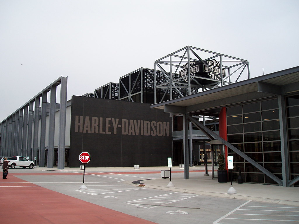 Evel Knievel Replica Harley Davidson Forums: Museum On Left. GIft Shop On