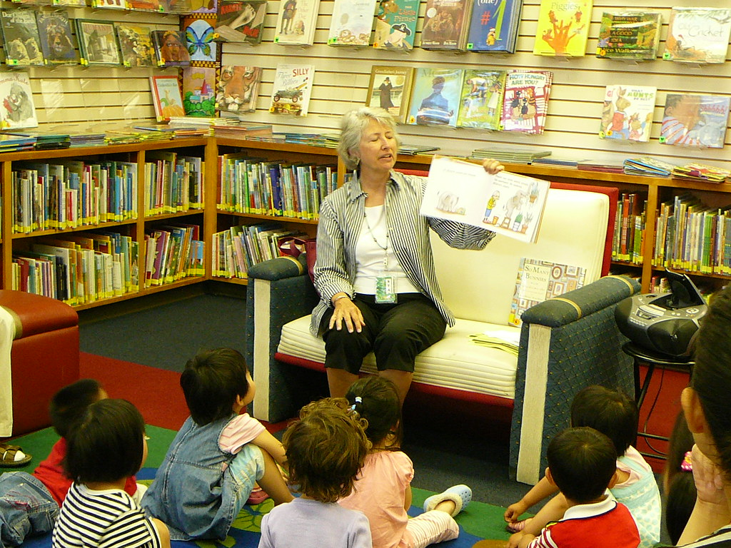 Debbie Reading To Children During Lapsit Storytime Flickr