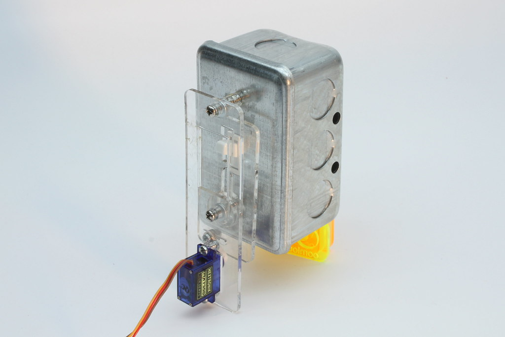 Smart Home Starter Kit With Remote Light Switch