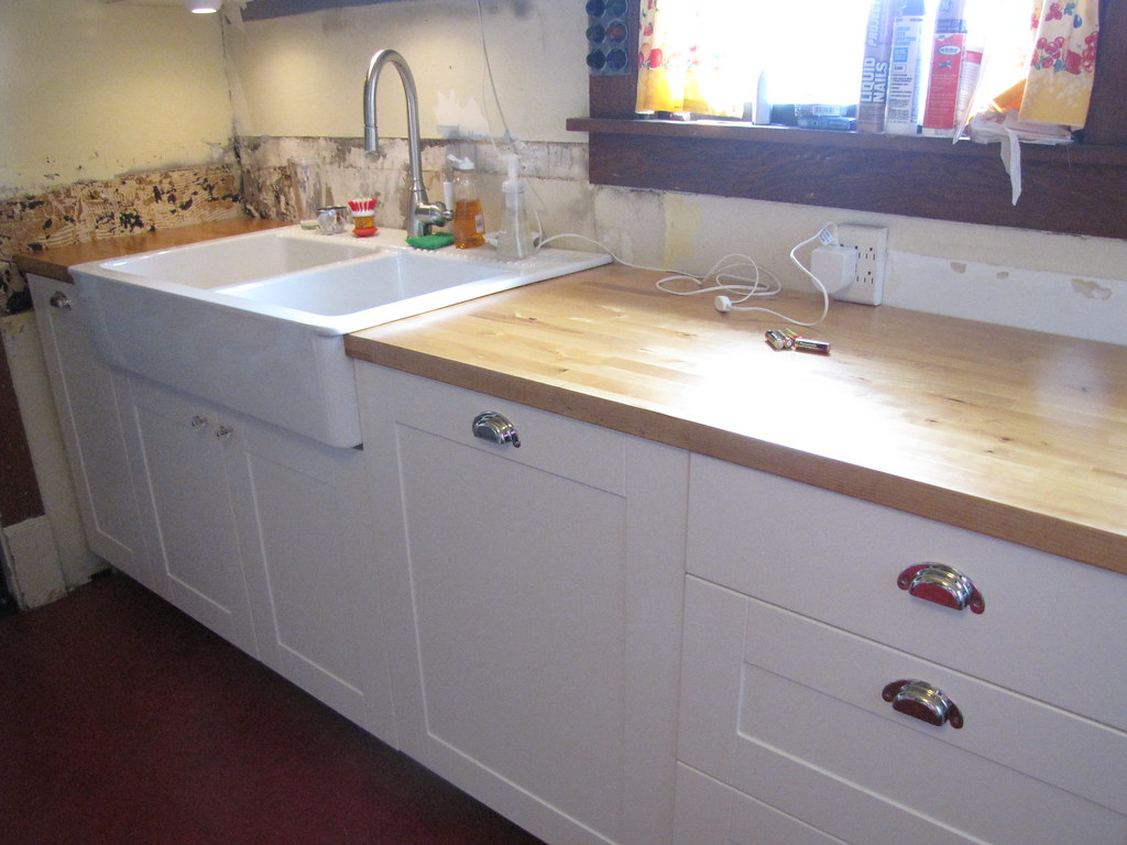 Kitchen Sink Built Into Countertop