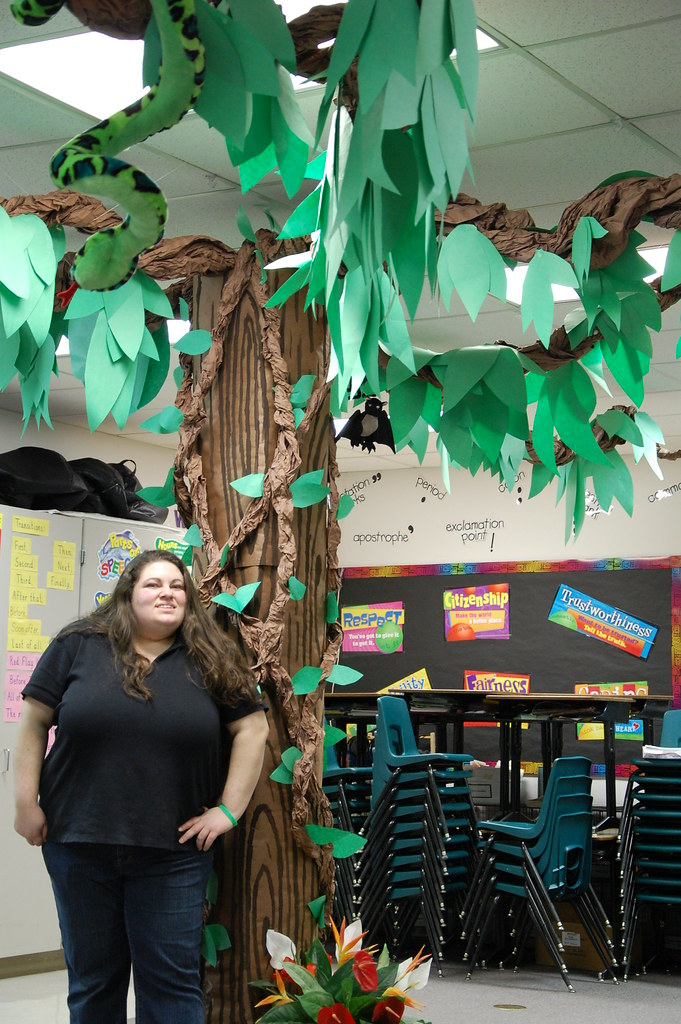 Classroom Door Ideas Jungle ~ Welcome to the jungle today my sister and i