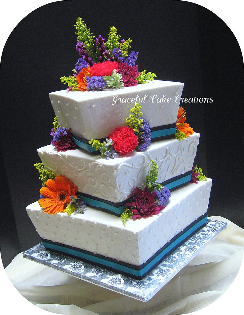 Square Wedding Cake To Feed