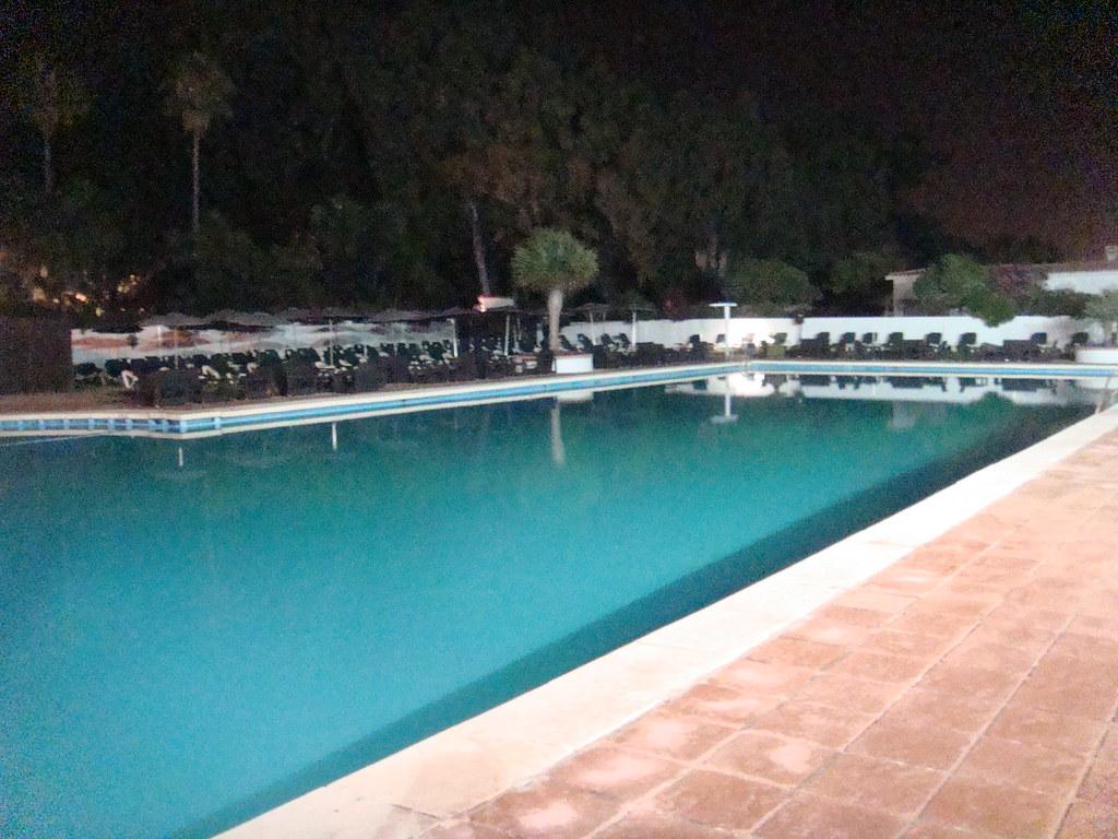 Restaurante el ancla marbella piscina de agua salada - Piscinas de agua salada ...