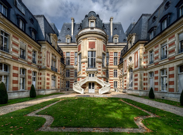 Versailles la ville l 39 hotel de ville claude rozier for Piscine de versailles