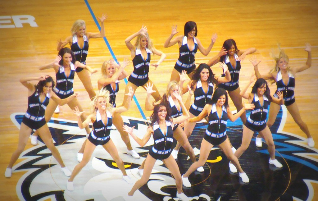 Minnesota Timberwolves Dance Team | 1-28-09 vs. Detroit ...