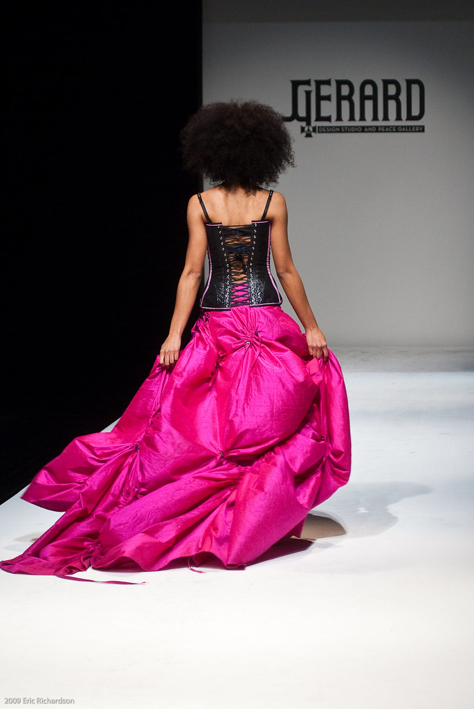 Fashion World Opening Times