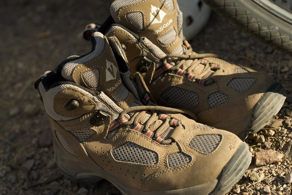 Vasque Women S Monolith Low Hiking Shoe