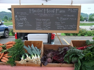 Haulin' Hoof Farm at the Athens Farmers Market 8/8/09 | by swampkitty