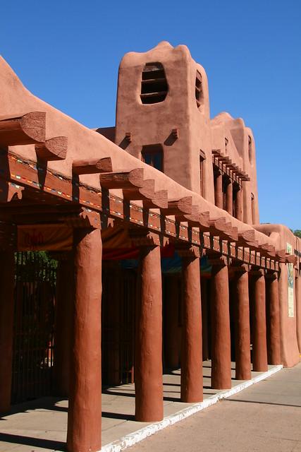 Adobe New Mexico Style Architecture In Santa Fe Explore