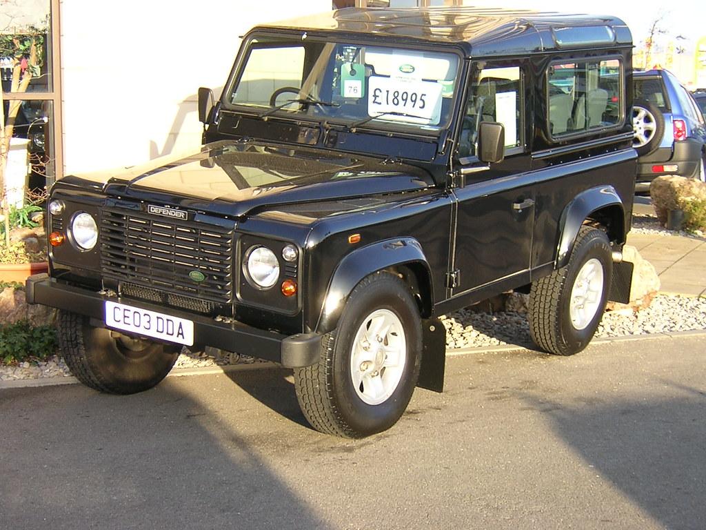 land rover defender 90 td5 black 18th february 2004 at. Black Bedroom Furniture Sets. Home Design Ideas