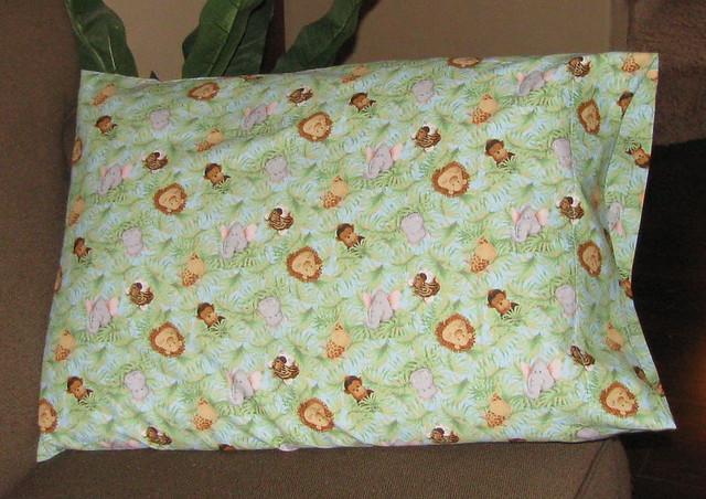 Pillowcase Tutorial Simple: Simple Pillowcase Tutorial   This is a super quick pillowcas…   Flickr,