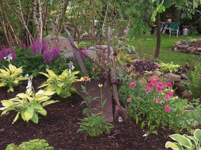 100 1631 shade garden landscape design hosta astible for Small shade garden designs