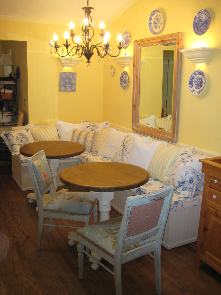 Banquette Small Kitchen