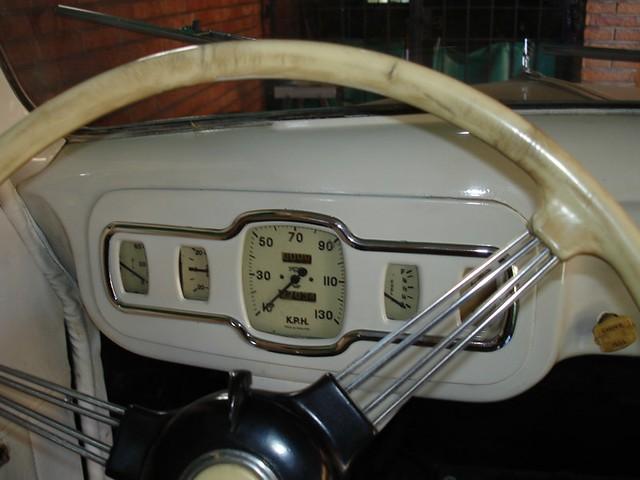 Austin a40 devon 1948 austin gauge panel club cl sicos for 1948 austin devon 4 door