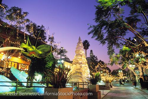 3rd Street Promenade, Christmas, Santa Monica, California ...
