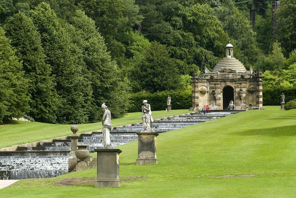 Gb Chatsworth Derbyshire 04 Cascade And Cascade House