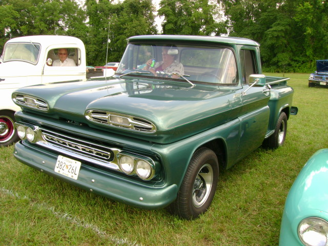 Re 196066 CHEVY SUBURBAN PANEL TRUCK AND PICKUP PARTS