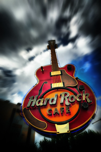 hard rock cafe multidomestic strategy Ex: heinz, mcdonalds, body shop, hard rock cafe global strategy a strategy in which operating decisions are centralized and headquarters coordinates the standardization and learning between facilities.