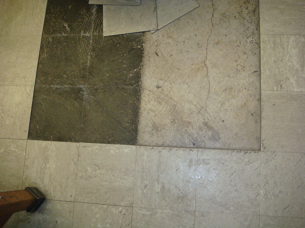 Mastic for floor tile